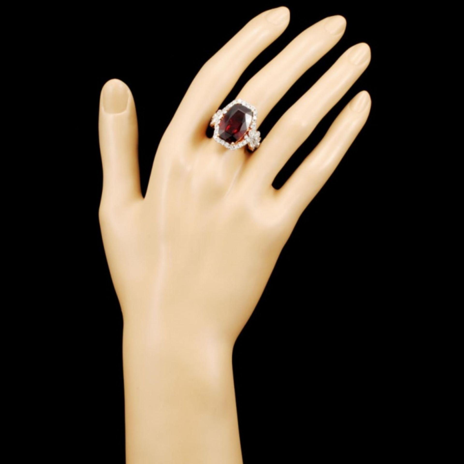 18K Gold 16.46ct Garnet & 1.81ctw Diamond Ring - Image 4 of 5