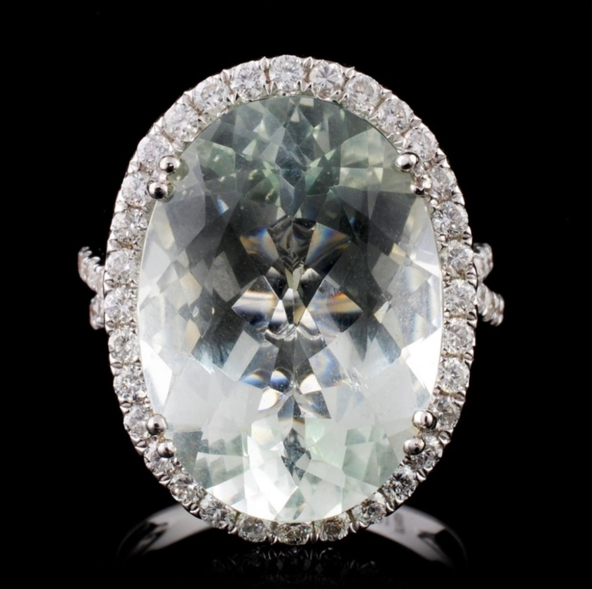 18K Gold 10.00ct Aquamarine & 0.91ct Diamond Ring