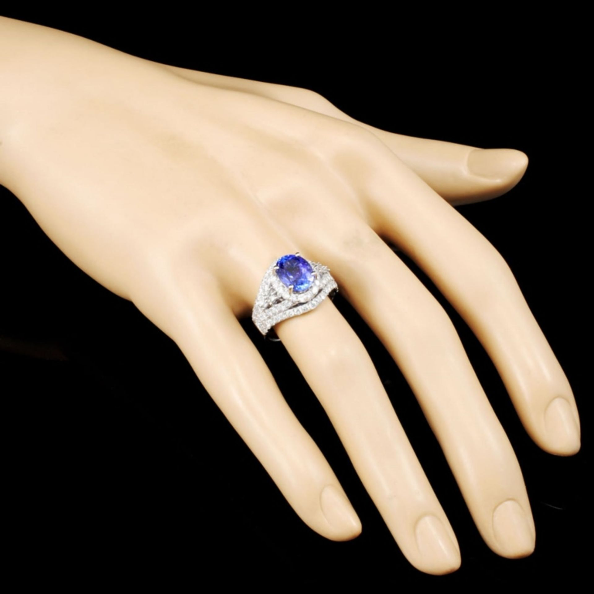 18K Gold 2.69ct Tanzanite & 1.65ctw Diamond Ring - Image 3 of 5