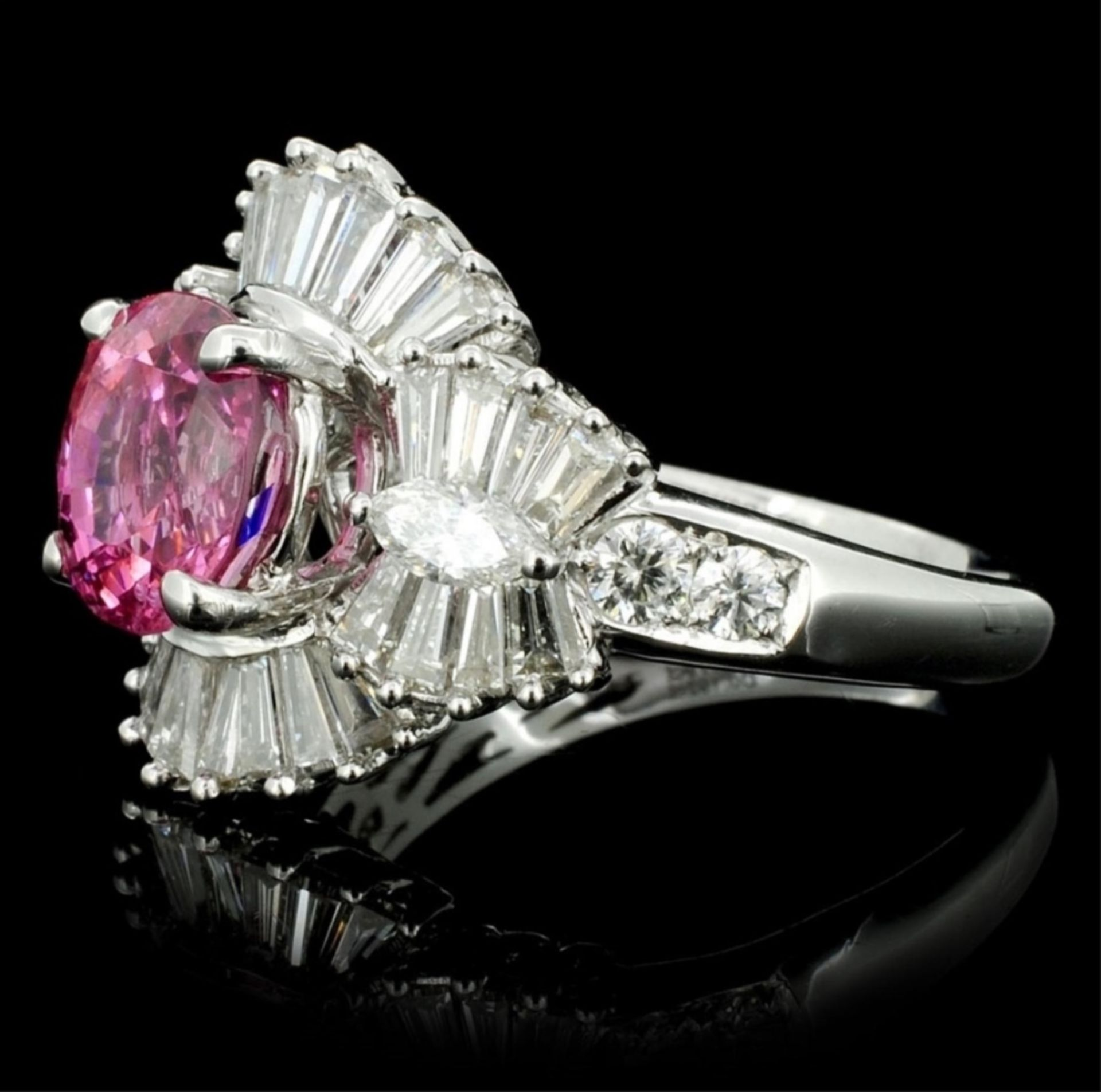 18K White Gold 2.26ct Spinel & 1.51ct Diamond Ring - Image 3 of 4