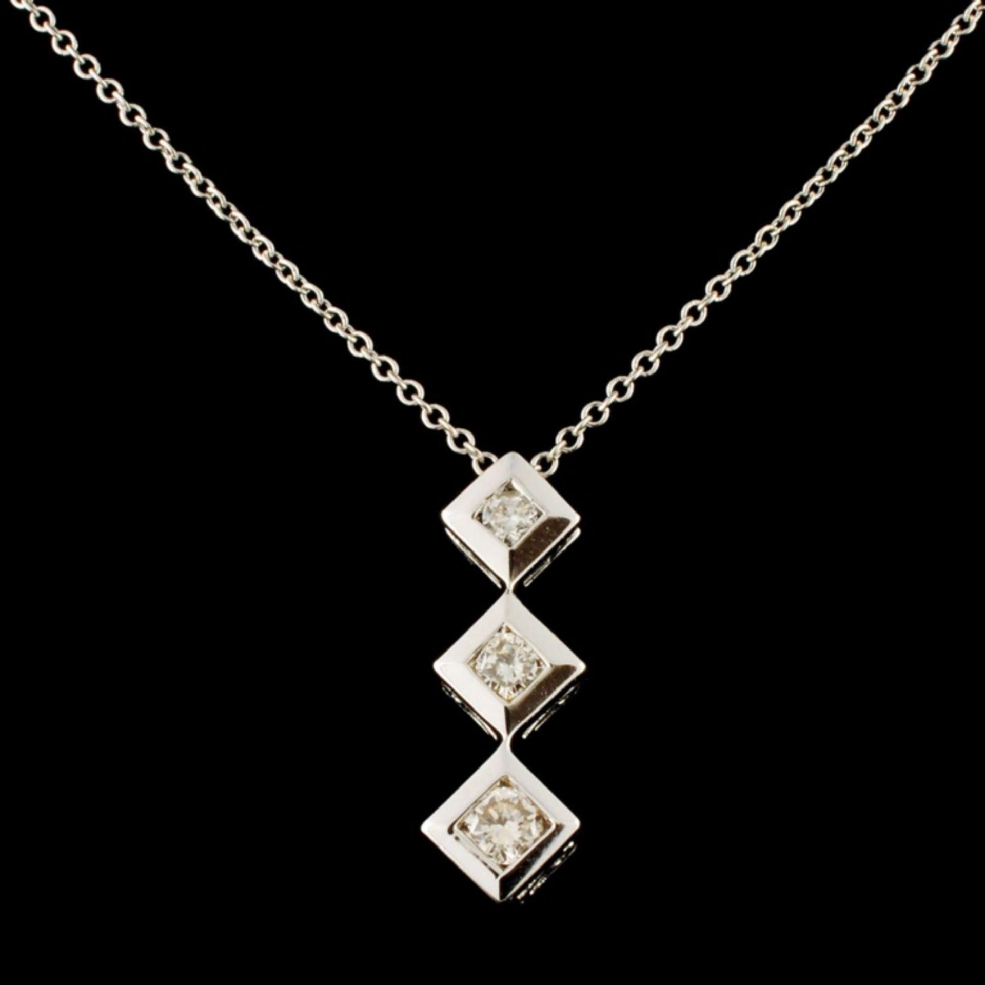 14K Gold 0.25ctw Diamond Pendant - Image 2 of 4