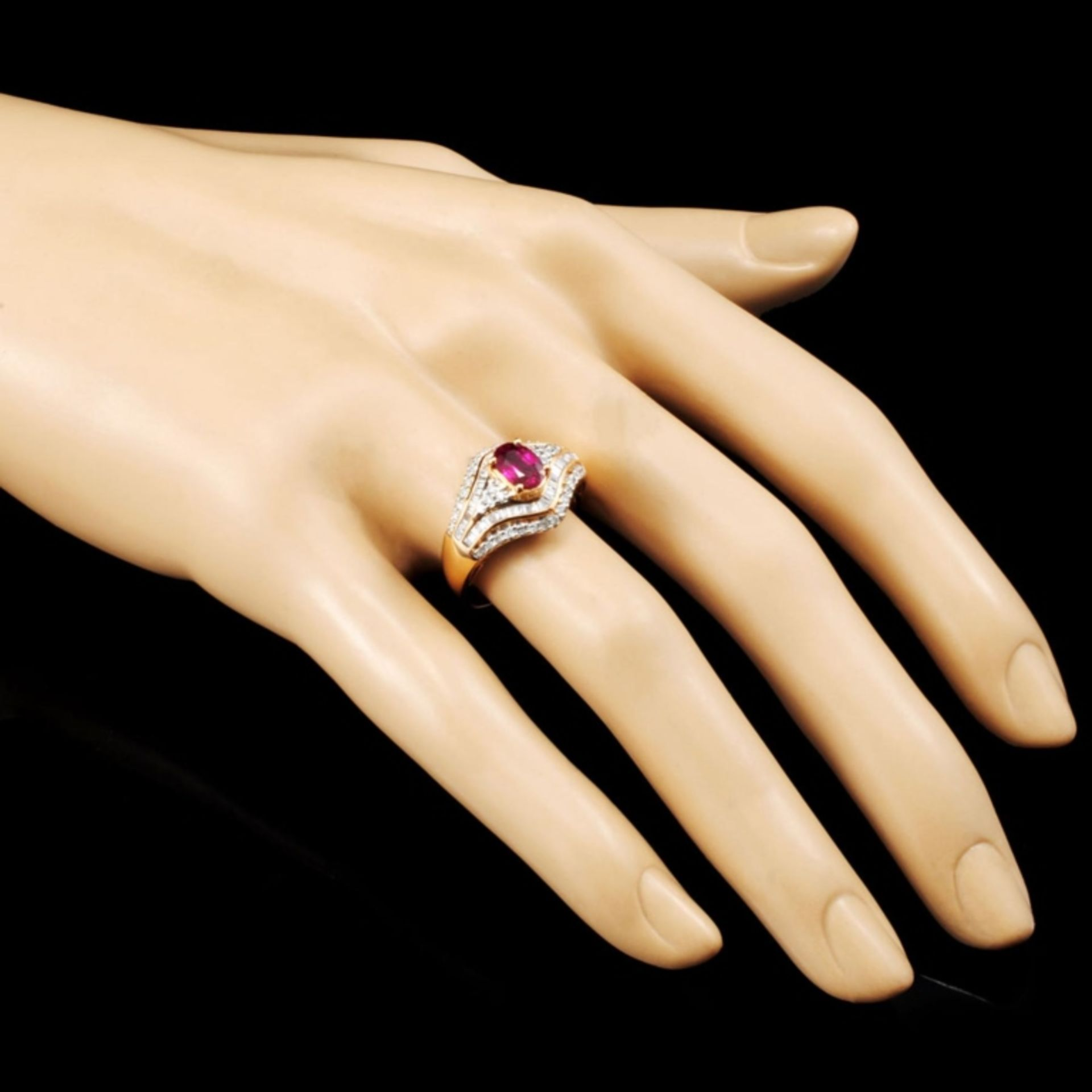 18K Gold 0.84ct Ruby & 0.60ctw Diamond Ring - Image 3 of 5