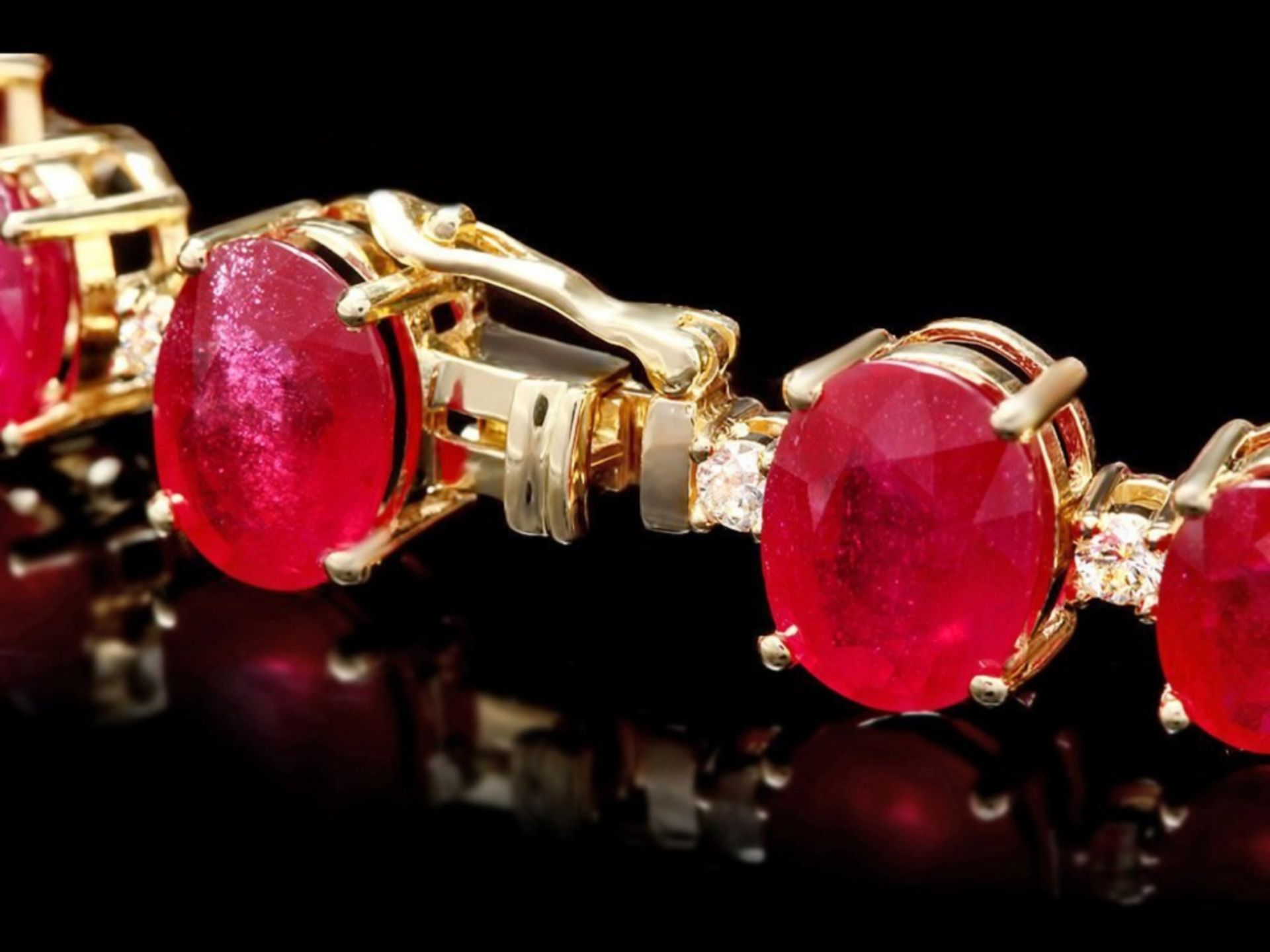 `14k Gold 50.00ct Ruby & 1.50ct Diamond Bracelet - Image 2 of 3