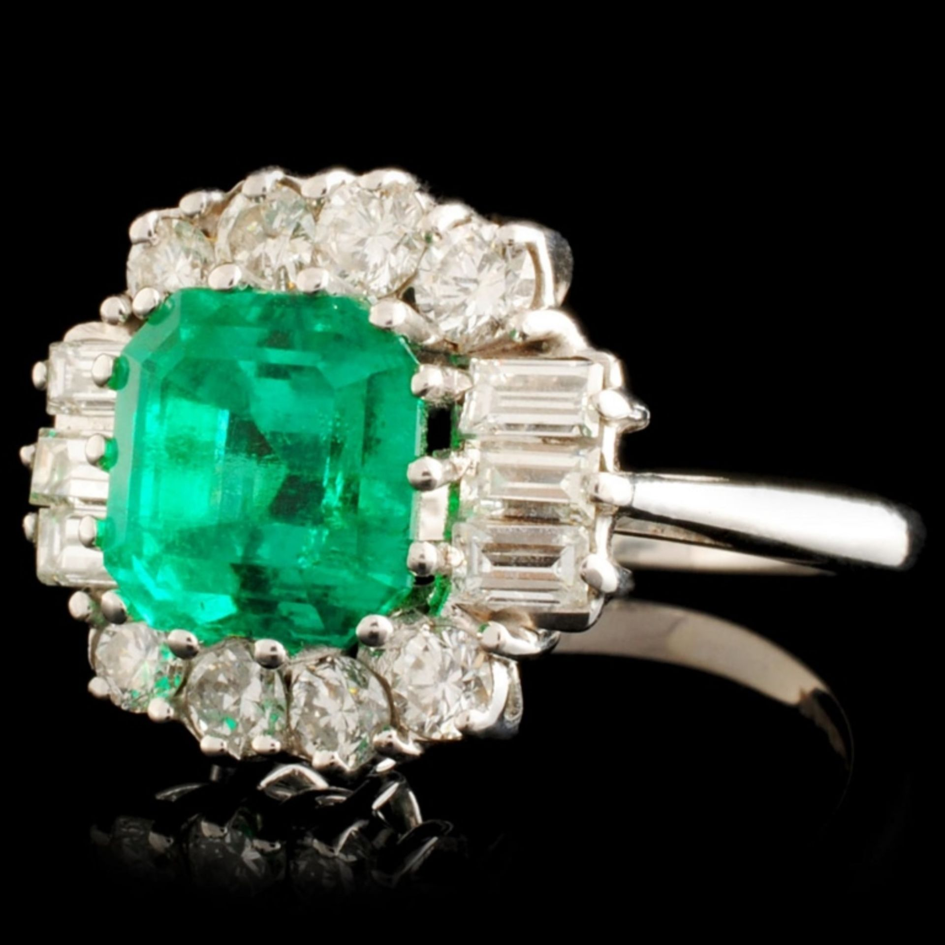 18K Gold 2.80ct Emerald & 1.00ctw Diamond Ring - Image 2 of 5