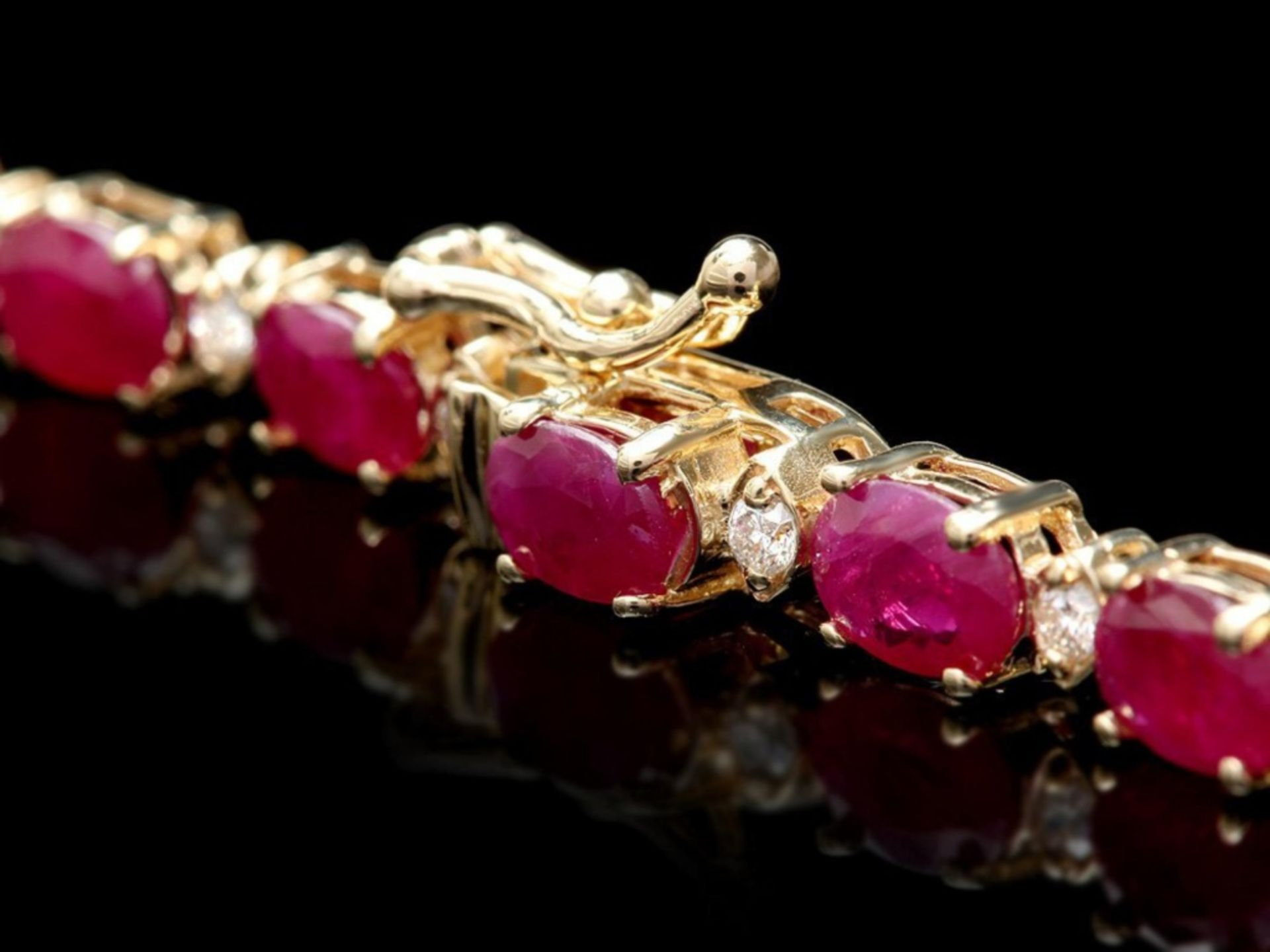 `14k Gold 30.00ct Ruby & 1.50ct Diamond Necklace - Image 2 of 3
