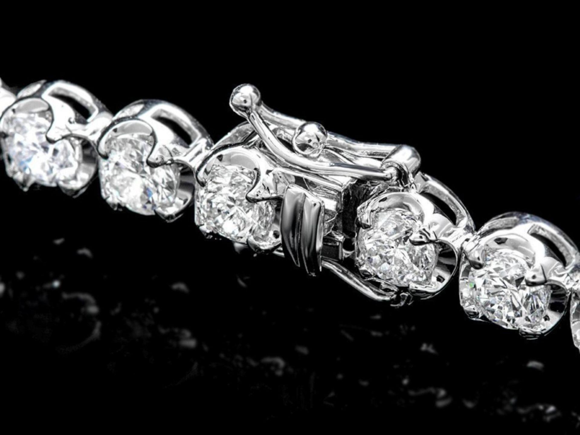 18k White Gold 10.00ct Diamond Tennis Bracelet - Image 2 of 3