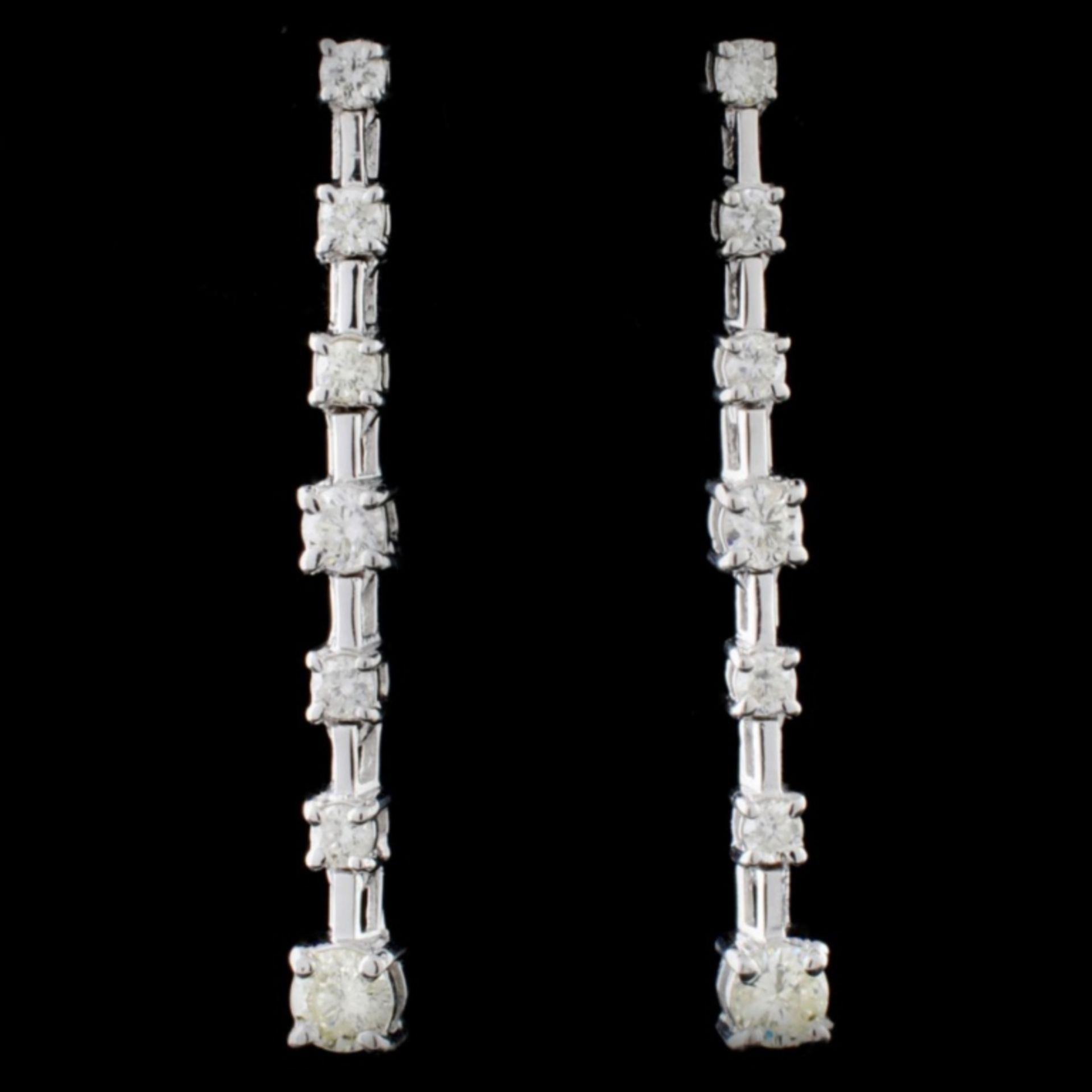 18K White Gold 0.50ctw Diamond Earrings