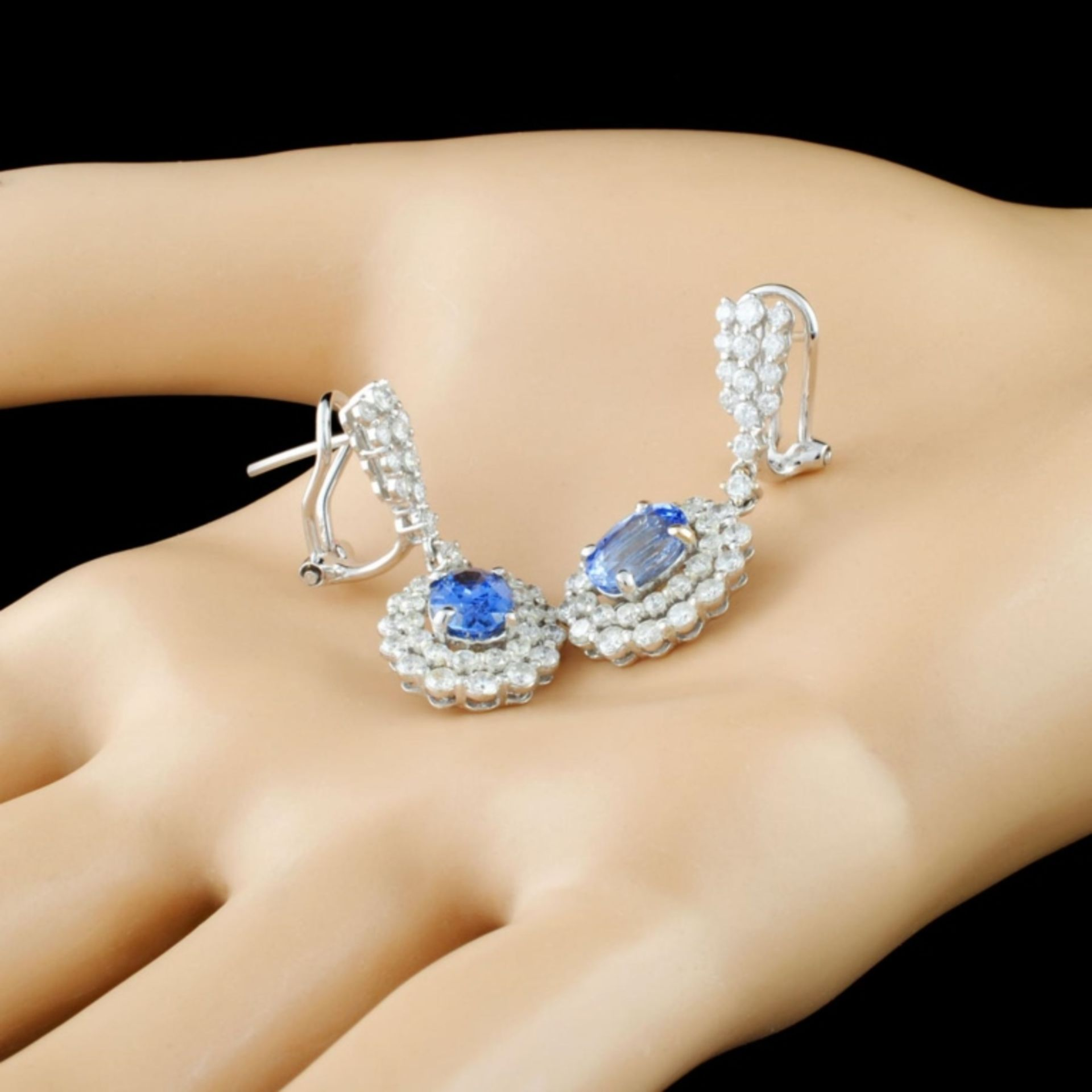 18K Gold 2.56ct Sapphire & 2.36ctw Diamond Earring - Image 2 of 3