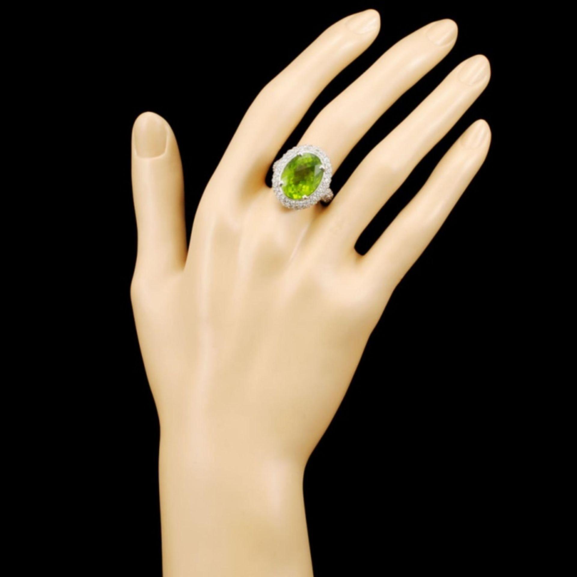 14K Gold 9.28ct Peridot & 2.40ctw Diamond Ring - Image 4 of 5