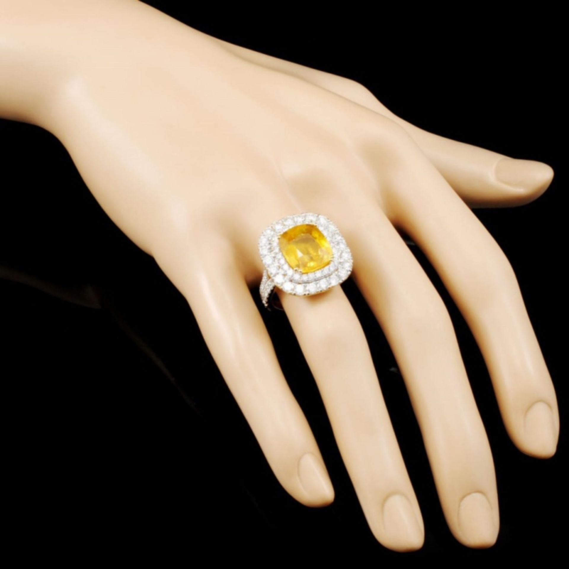 18K Gold 7.66ct Sapphire & 2.99ctw Diamond Ring - Image 3 of 5