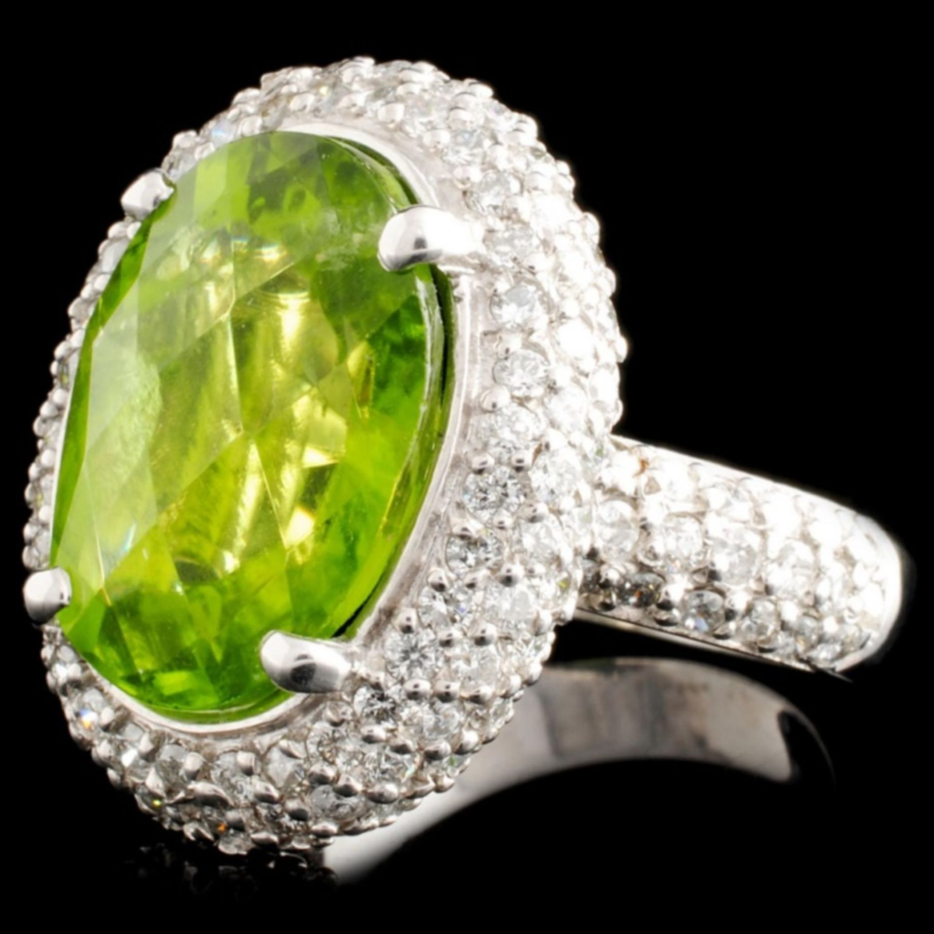 14K Gold 9.28ct Peridot & 2.40ctw Diamond Ring - Image 2 of 5