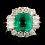 18K Gold 2.80ct Emerald & 1.00ctw Diamond Ring