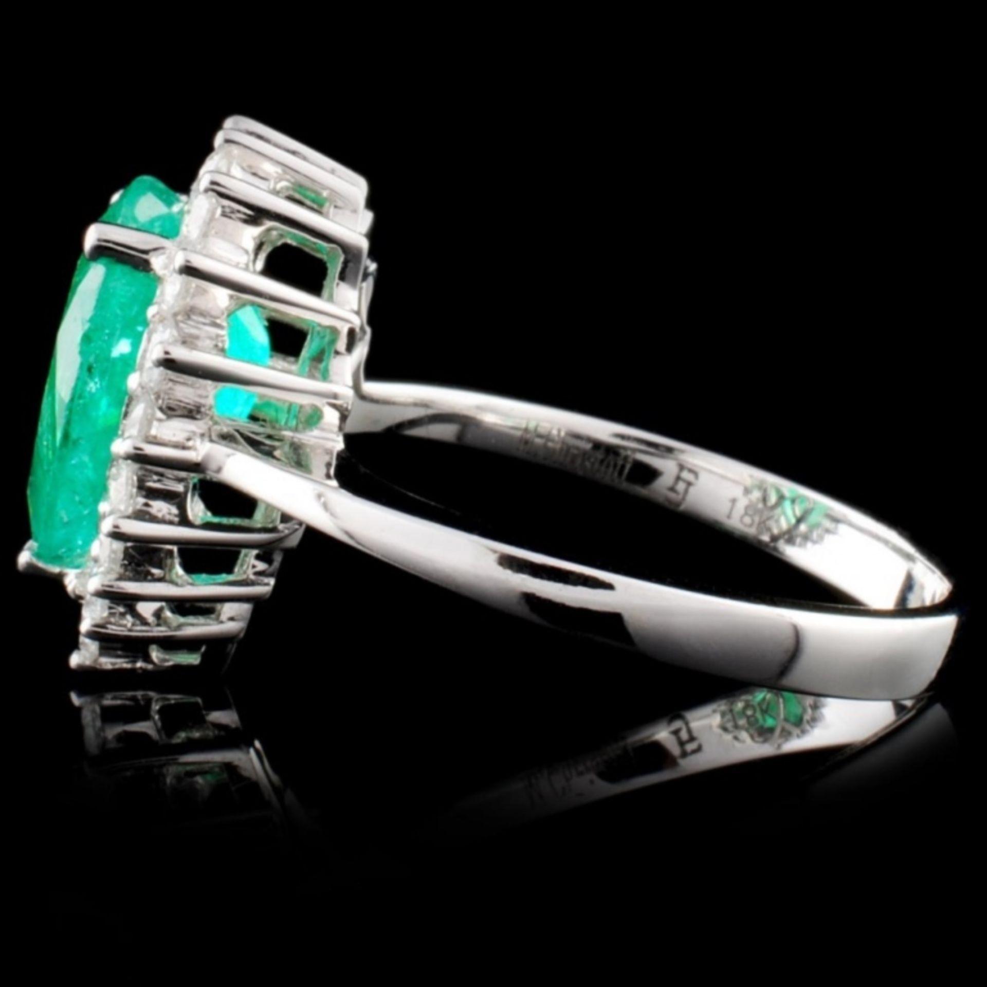 18K White Gold 2.32ct Emerald & 0.56ct Diamond Rin - Image 3 of 4