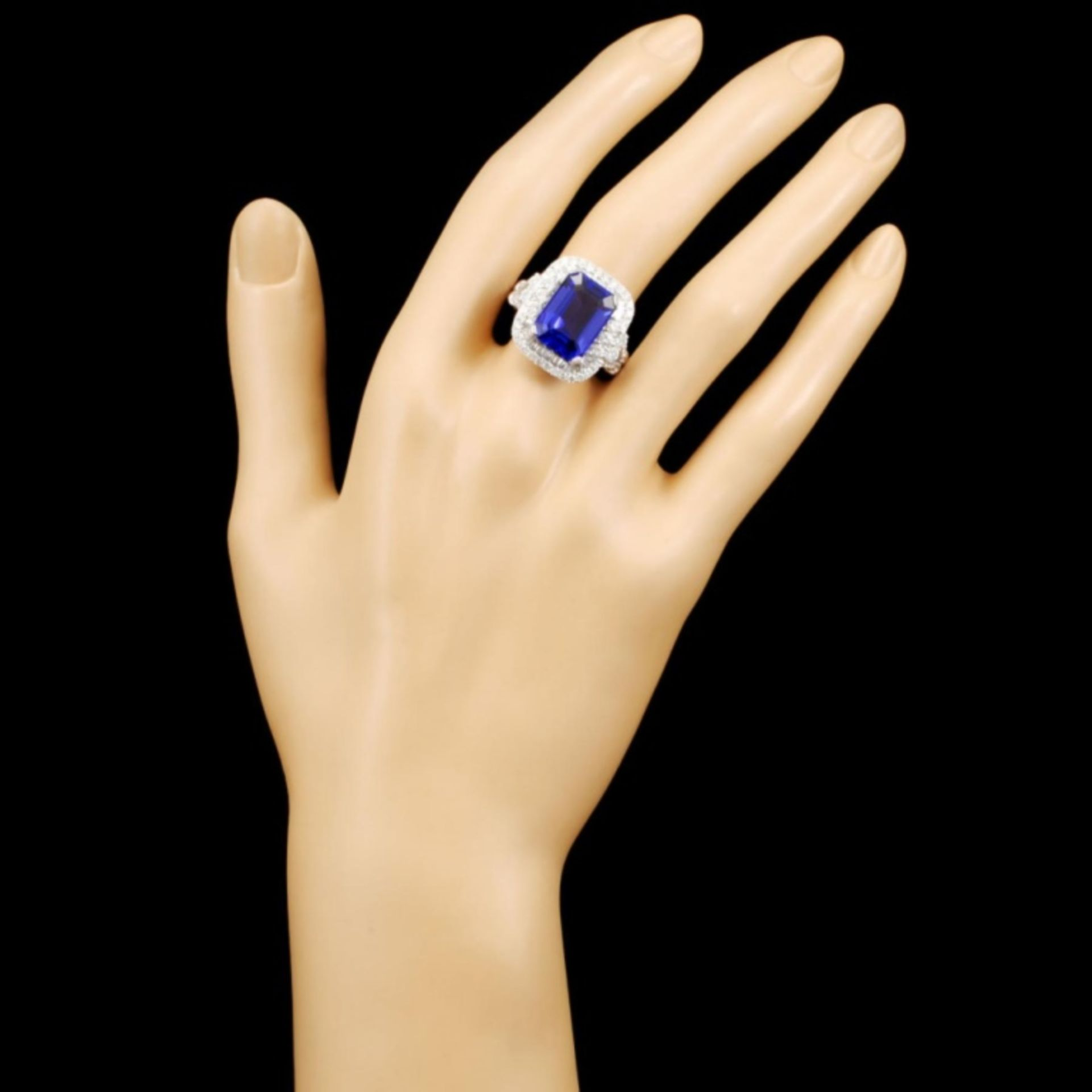 18K Gold 8.12ct Tanzanite & 1.58ctw Diamond Ring - Image 4 of 5