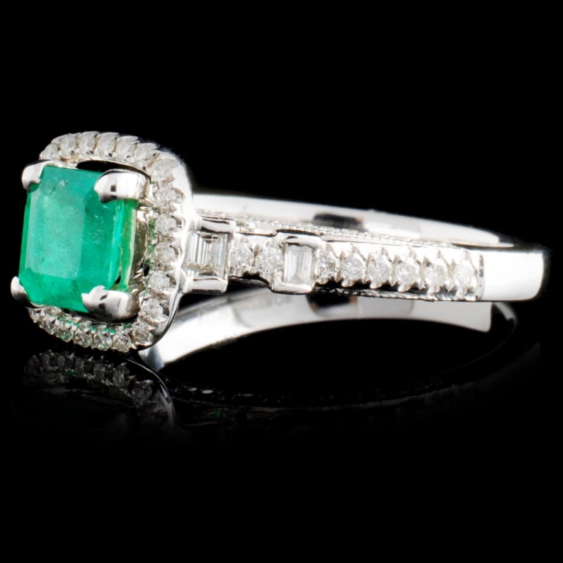 18K White Gold 0.69ct Emerald & 0.41ct Diamond Rin - Image 2 of 4