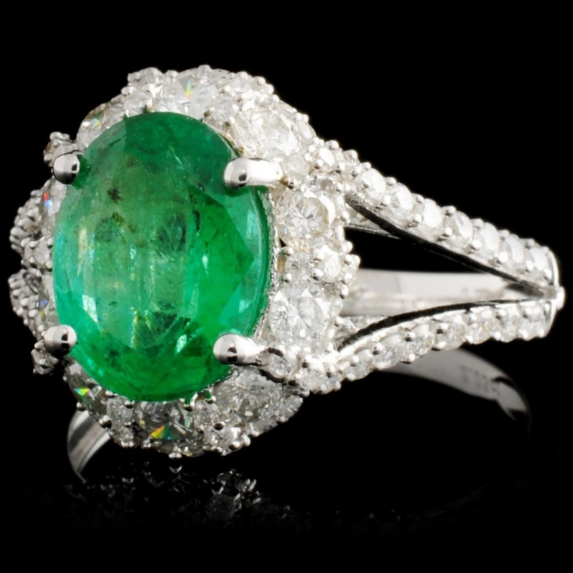 18K White Gold 2.25ct Emerald & 1.17ctw Diamond Ri - Image 2 of 4