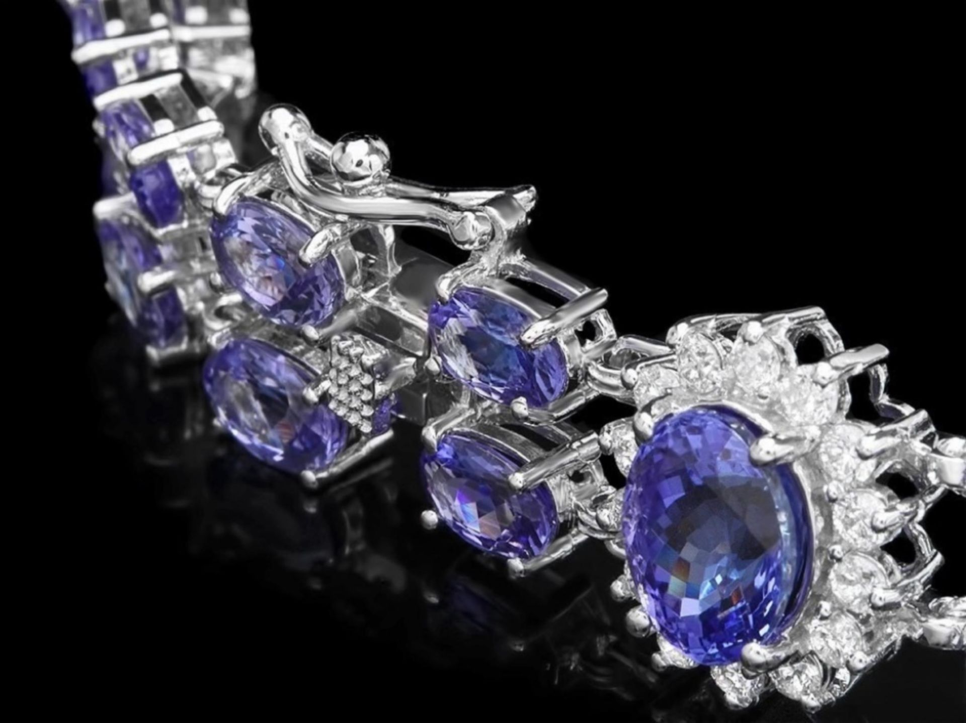 `14k Gold 20.00ct Tanzanite & 1.50ct Diamond Brace - Image 3 of 4
