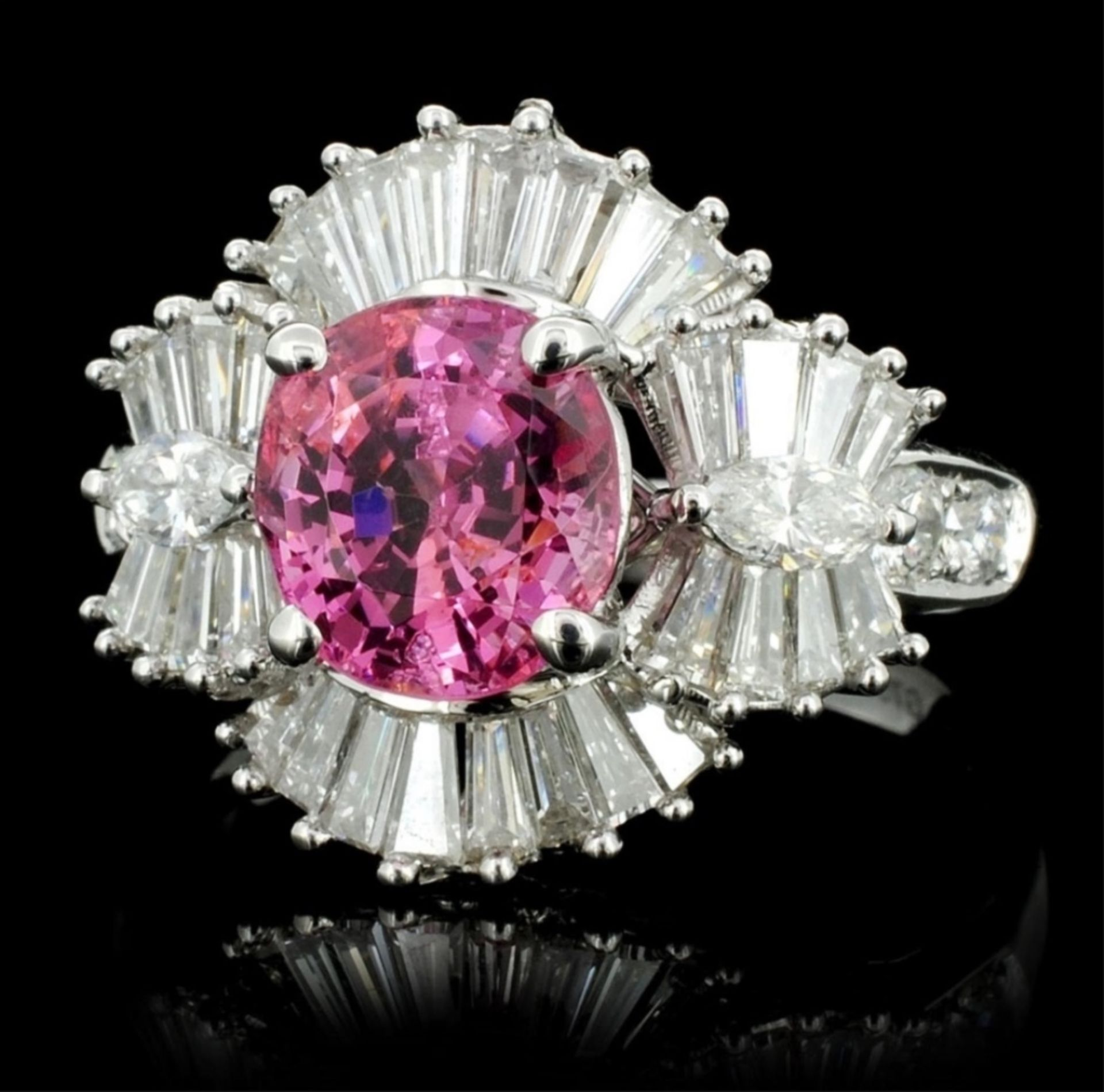 18K White Gold 2.26ct Spinel & 1.51ct Diamond Ring - Image 2 of 4