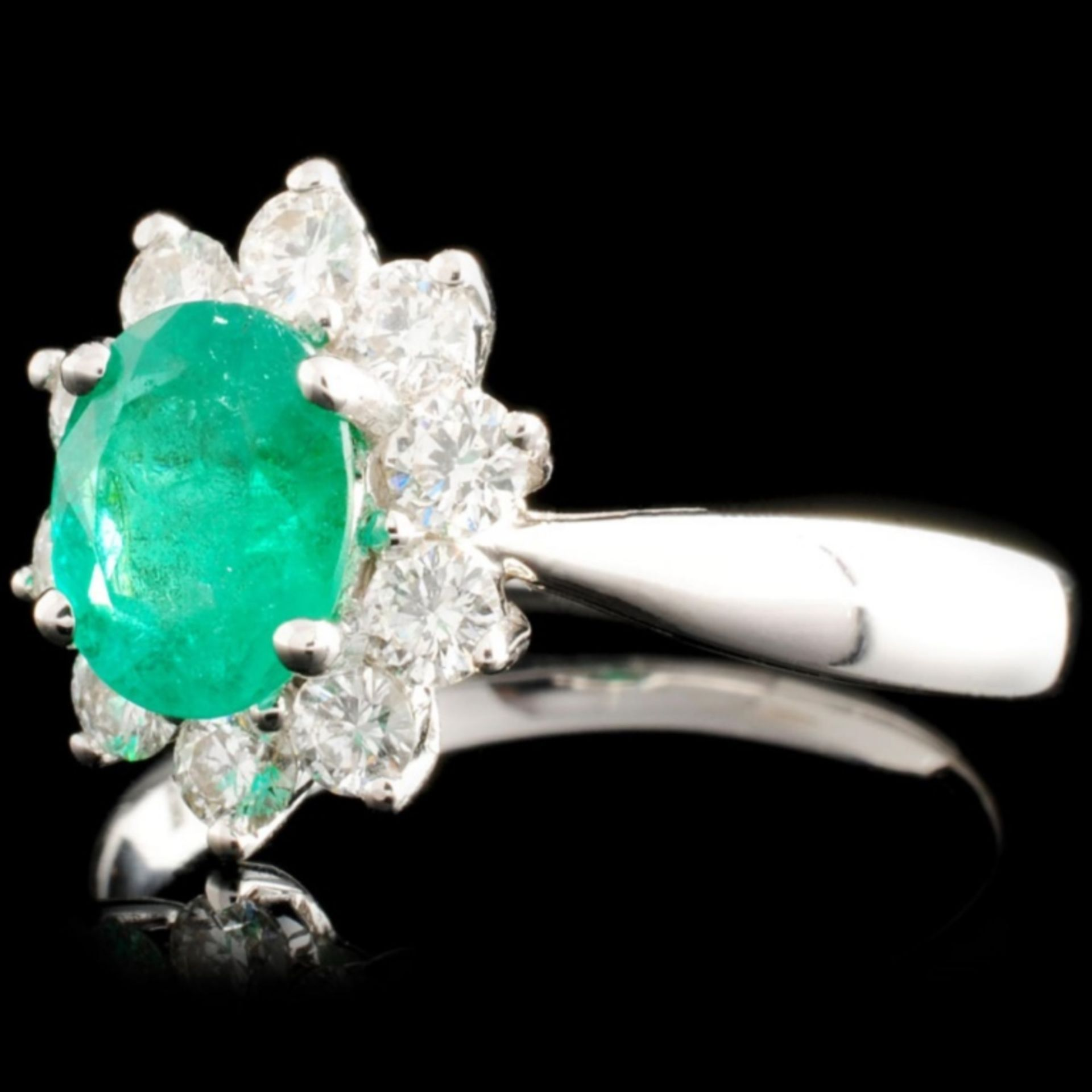 18K Gold 1.01ct Emerald & 0.57ctw Diamond Ring - Image 2 of 5