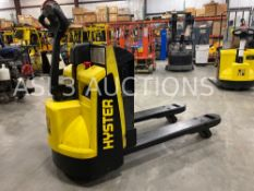2015 HYSTER ELECTRIC PALLET JACK MODEL W45Z-HD, 24V, 4,500 LB CAPACITY, BUILT IN BATTERY CHARGER