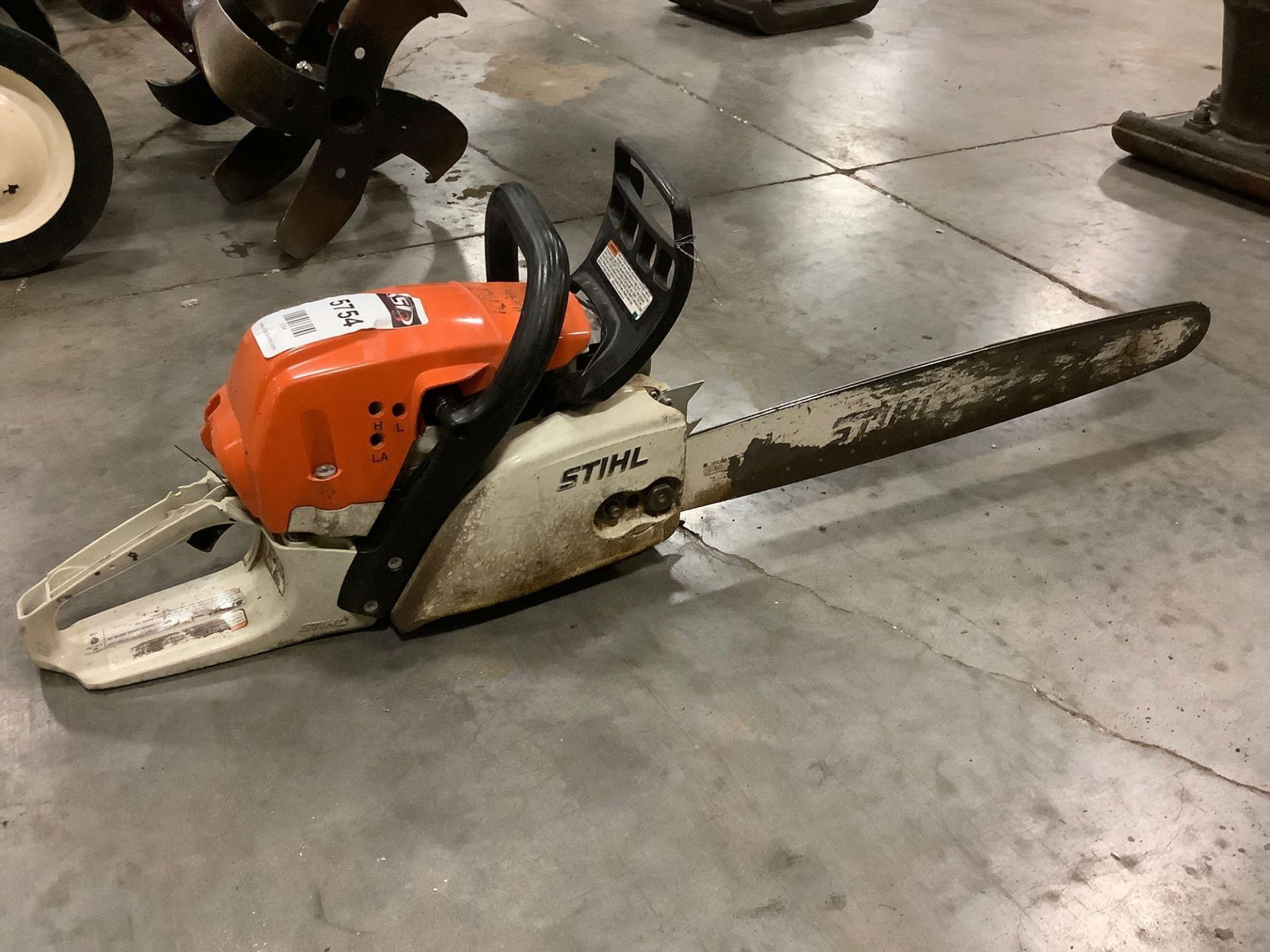 2017 STIHL CHAIN SAW MODEL MS291 MISSING CHAIN & HANDLE IS BROKEN