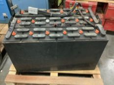 C&D TECHNOLOGIES C-LINE INDUSTRIAL FORKLIFT BATTERY CHARGER SERIAL #6H50936 APPROX 36 VOLTS