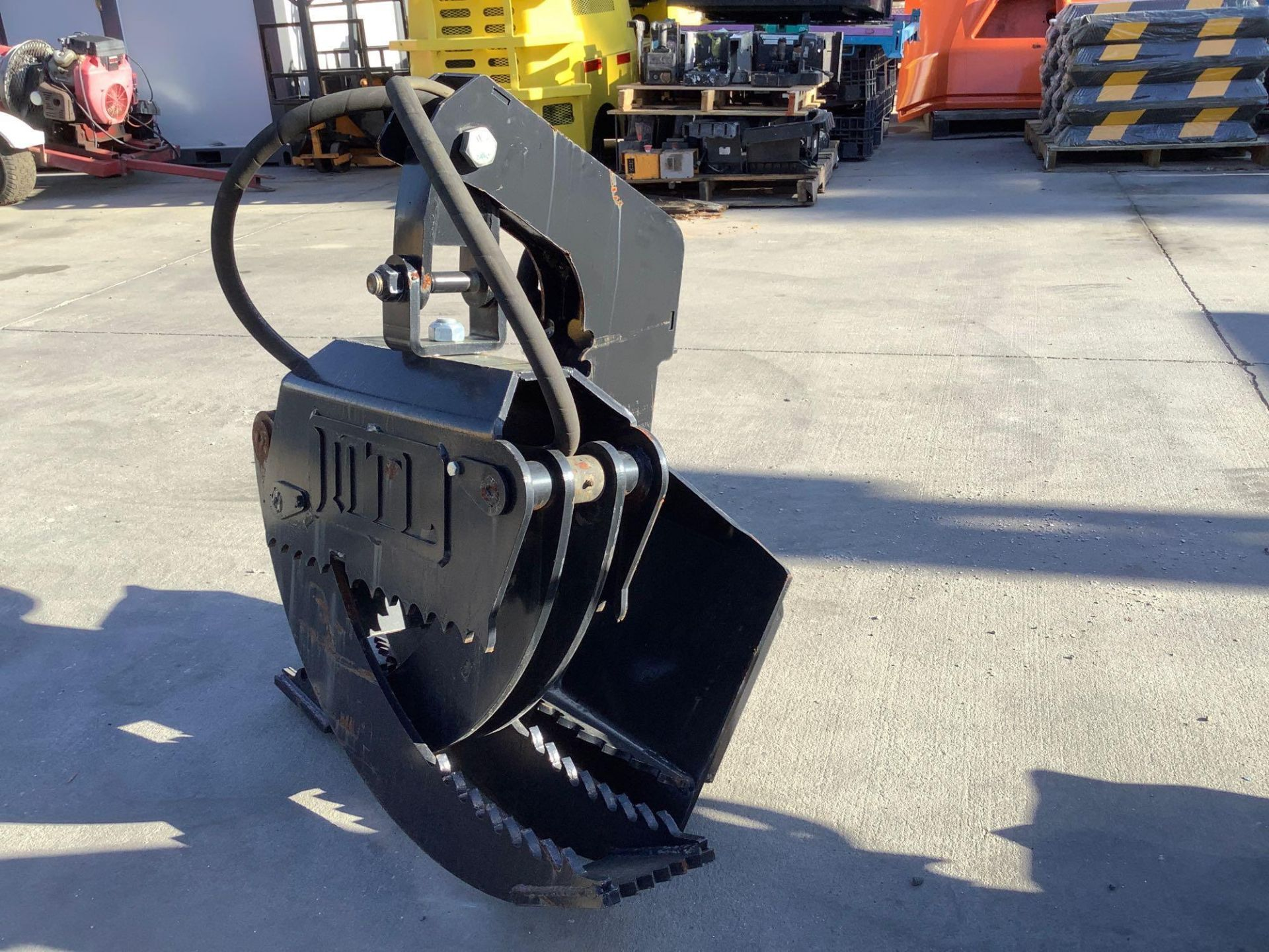 LOG GRAPPLE ATTACHMENT FOR SKID STEER/EQUIPMENT