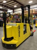 HYSTER ELECTRIC FORK LIFT TILT TRUCK MODEL W40XTC MAX CAPACITY 4000lbs LOAD HEIGHT 104.5