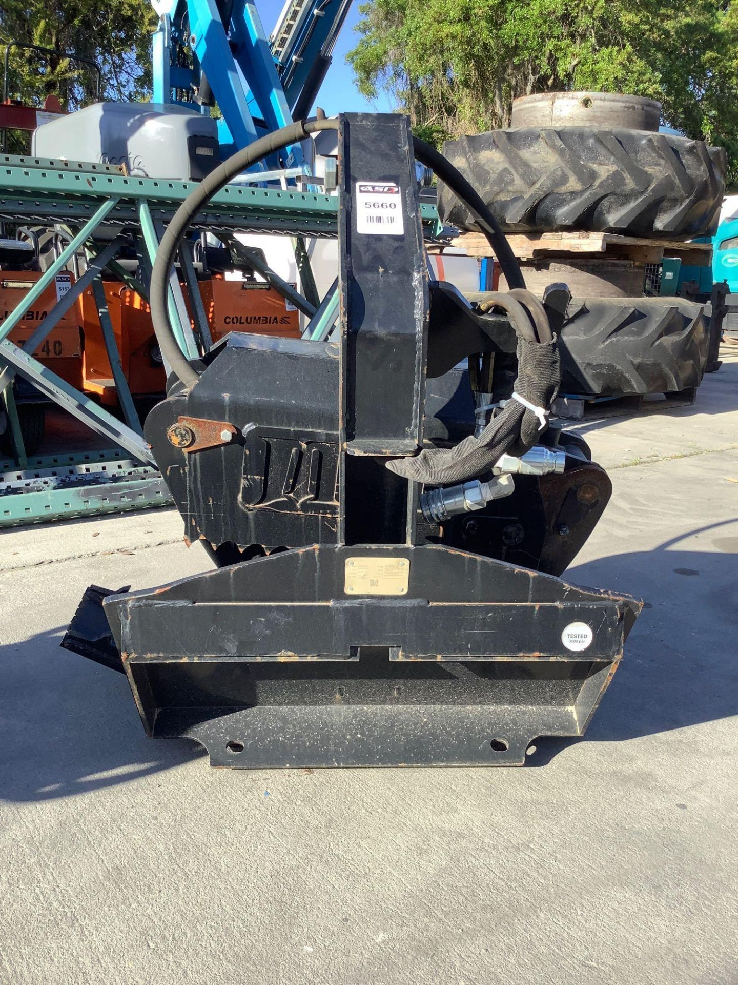 LOG GRAPPLE ATTACHMENT FOR SKID STEER/EQUIPMENT - Image 7 of 8