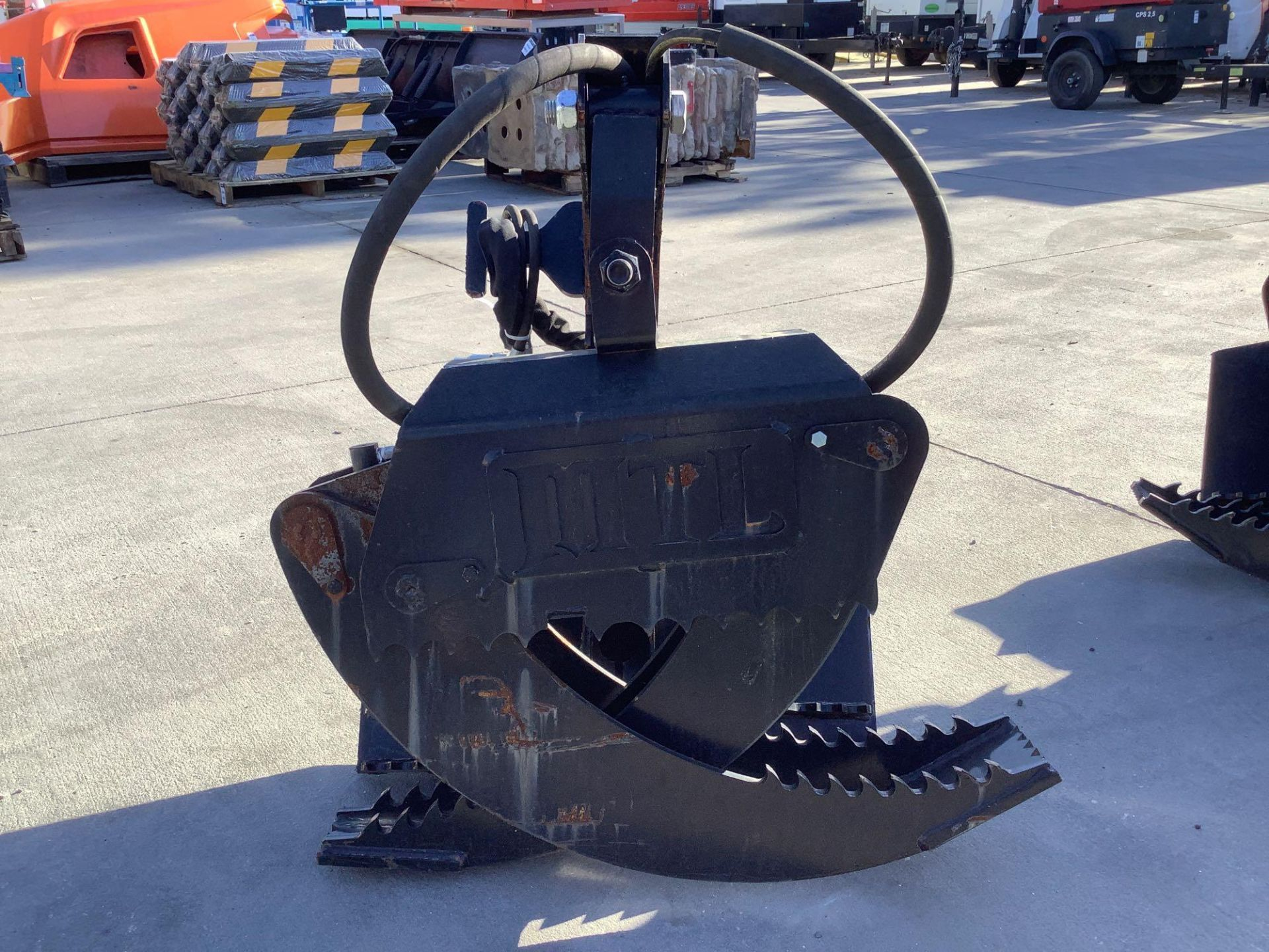 LOG GRAPPLE ATTACHMENT FOR SKID STEER/EQUIPMENT - Image 2 of 8