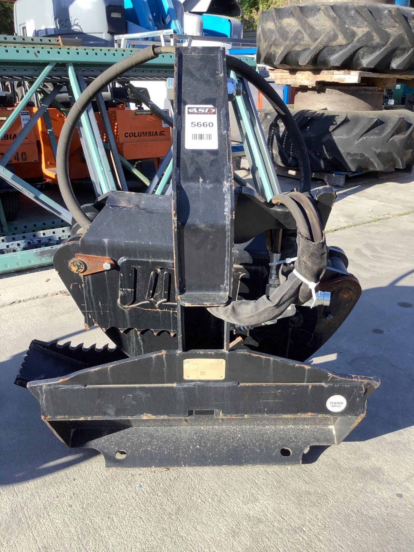 LOG GRAPPLE ATTACHMENT FOR SKID STEER/EQUIPMENT - Image 4 of 8