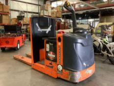 ELECTRIC DOOSAN PALLET JACK MODEL BWC33S-7, APPROX 24 VOLTS WITH 2016 HAWKER POWERLINE BATTERY RUNS