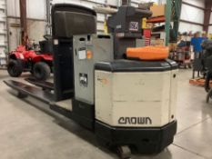 2012 CROWN PC4500-80 ELECTRIC PALLET JACK RUNS AND OPERATES