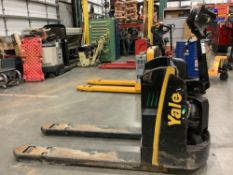 YALE PALLET JACK MODEL MPB045VGN24T2746, ELECTRIC, APPROX MAX CAPACITY 4500, FOR PARTS ONLY