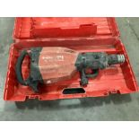 HILTI BREAKER MODEL TE1000-AVR, APPROX 120V WITH CARRYING CASE