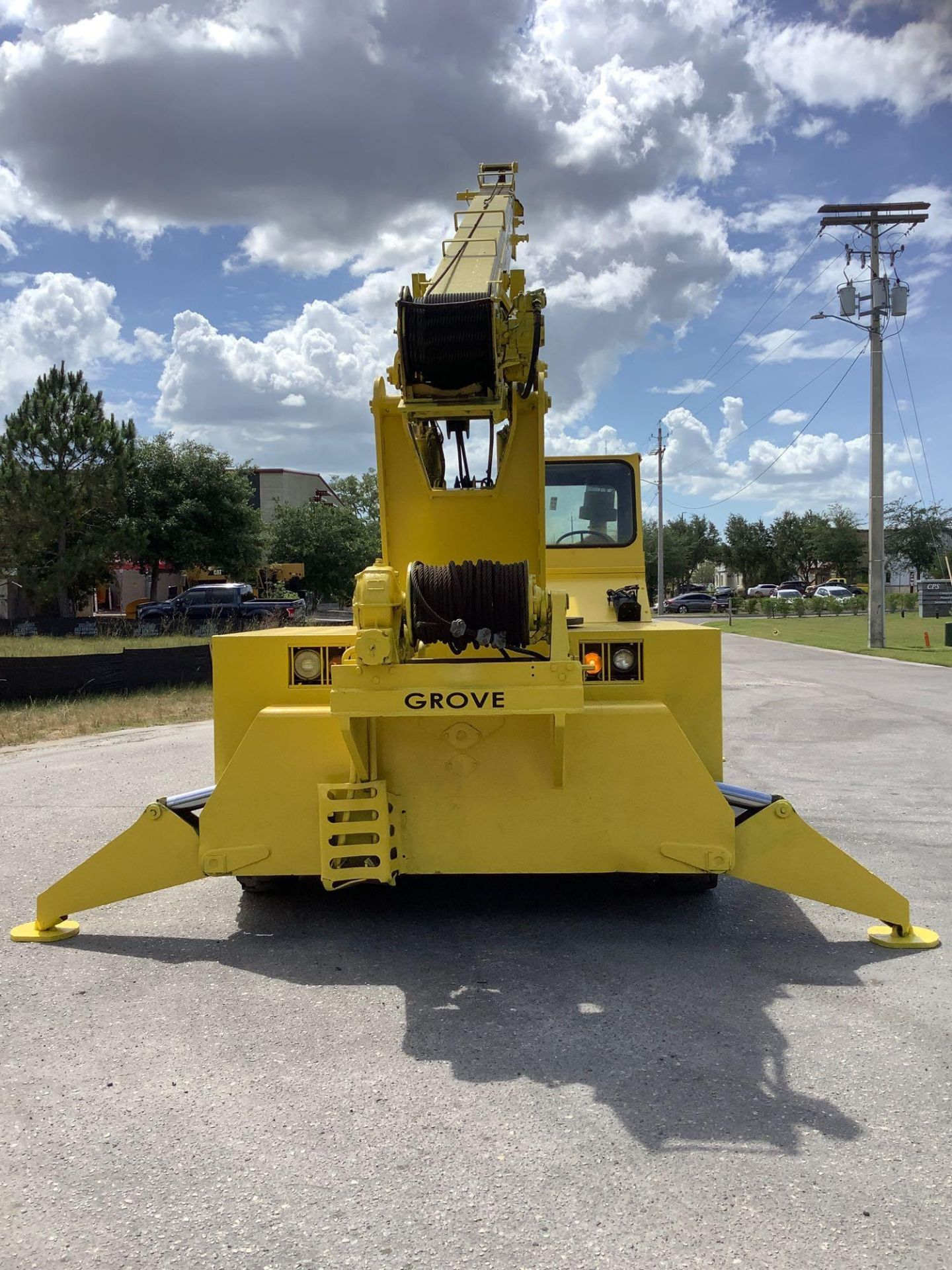 GROVE TRUCK CRANE MODEL IND1012, HYDRAULIC, TELESCOPIC, DIESEL,OUTRIGGER, RUNS AND OPERATES - Image 4 of 18