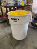 ASSORTED PLASTIC CHAIN IN BRUTE COMMERCIAL CAN