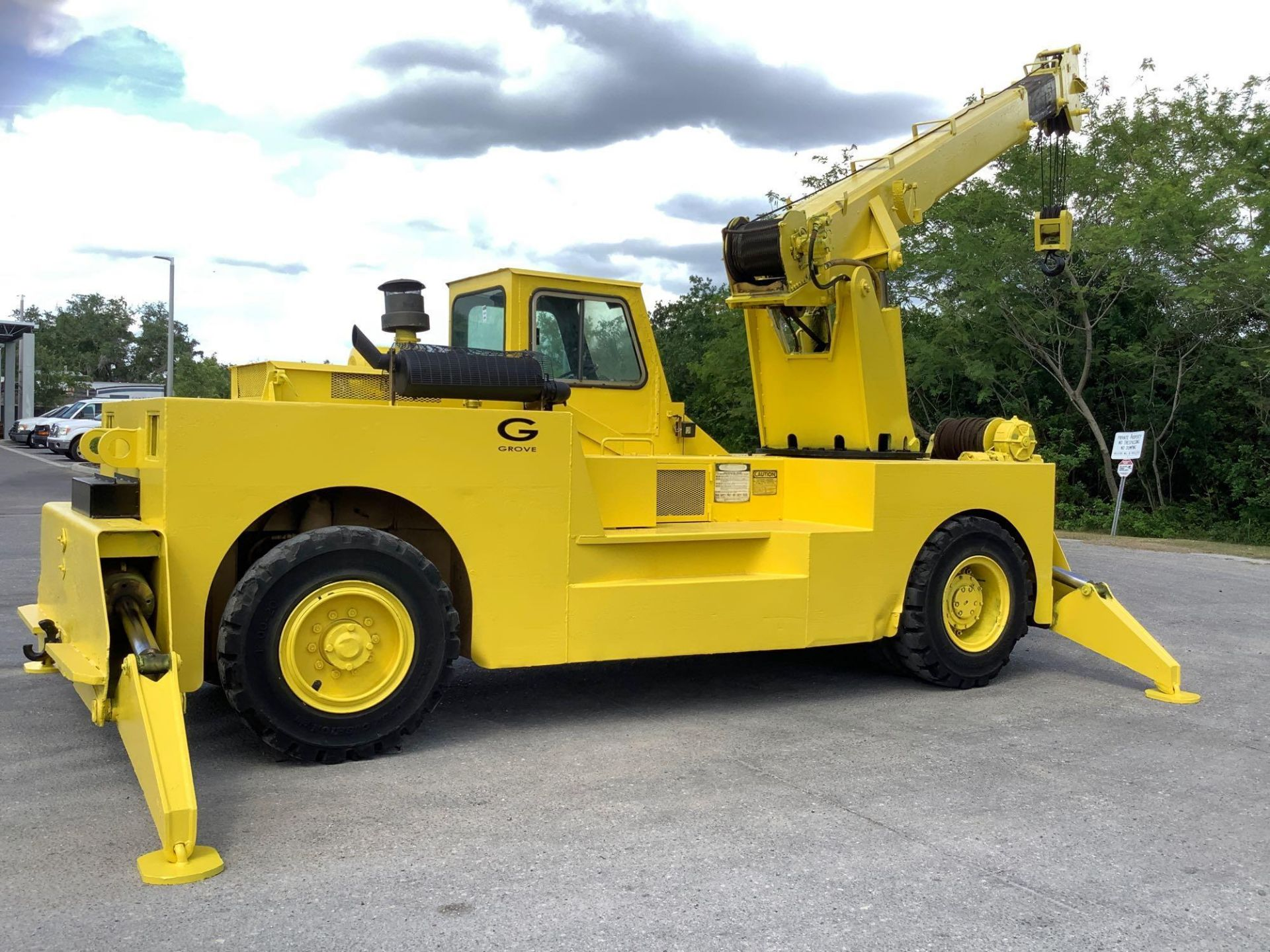 GROVE TRUCK CRANE MODEL IND1012, HYDRAULIC, TELESCOPIC, DIESEL,OUTRIGGER, RUNS AND OPERATES - Image 7 of 18