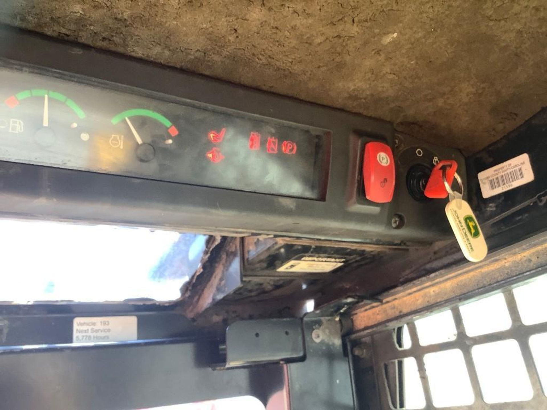 JOHN DEERE SKIDSTEER MODEL 315, DIESEL, GRAPPLE ATTACHMENT, SOLID TIRES, AUX HYDRAULIC, ENCLOSED CAB - Image 13 of 15
