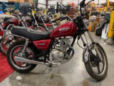 SUZUKI MOTORCYCLE MODEL GN125ES. RUNS & DRIVES