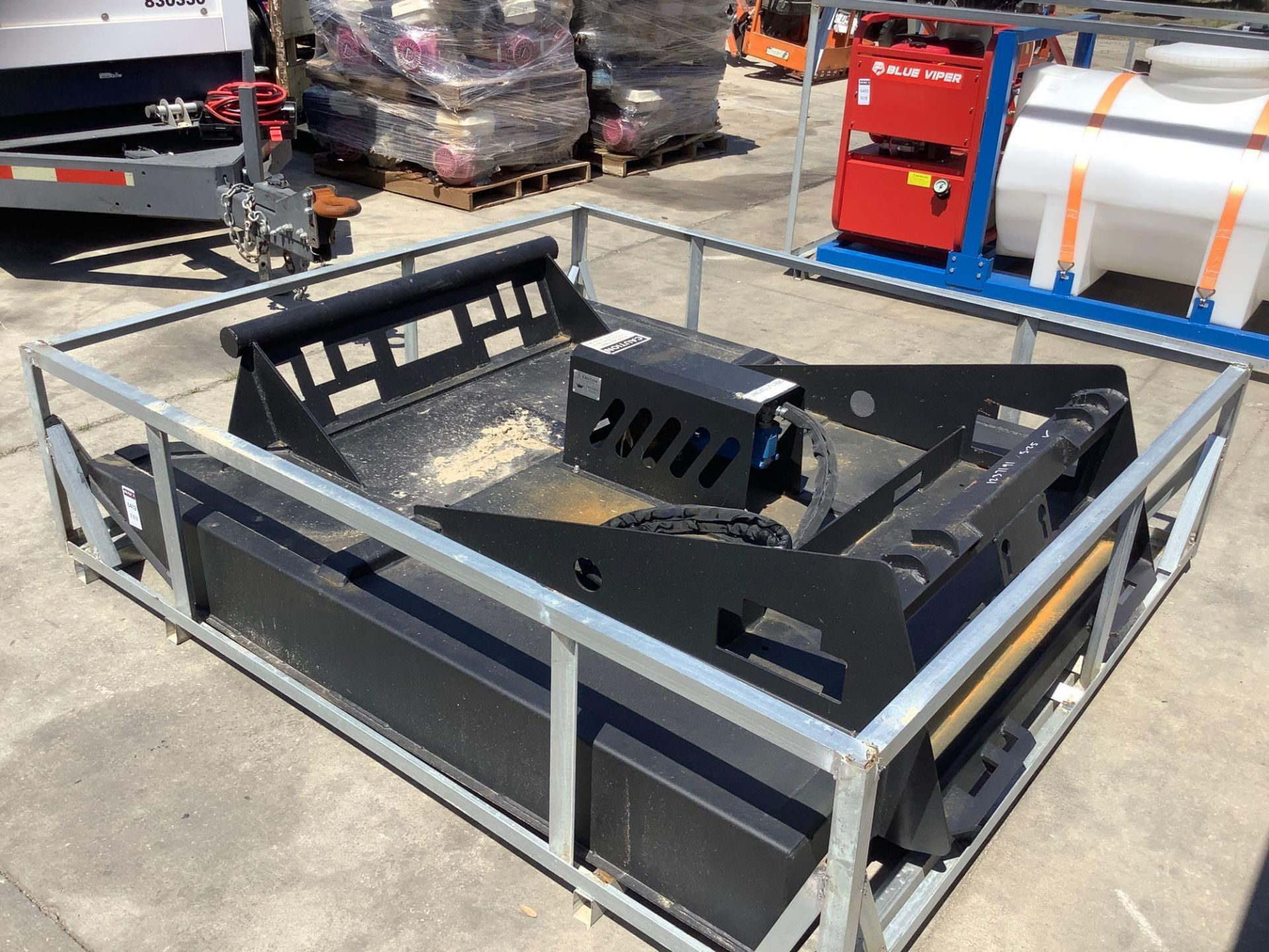 UNUSED BRUSH CUTTER ATTACHMENT FOR SKID STEER APPROX 77IN LONG x 70IN WIDE - Image 5 of 5