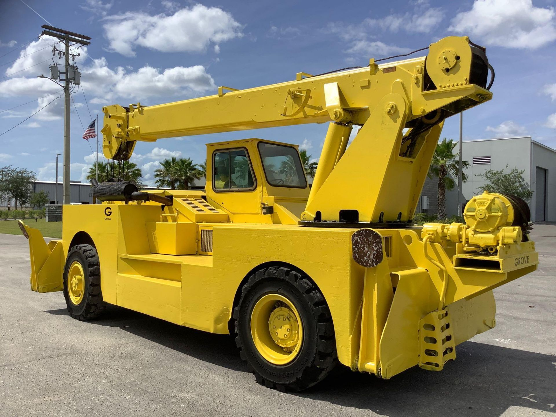 GROVE TRUCK CRANE MODEL IND1012, HYDRAULIC, TELESCOPIC, DIESEL,OUTRIGGER, RUNS AND OPERATES - Image 10 of 18