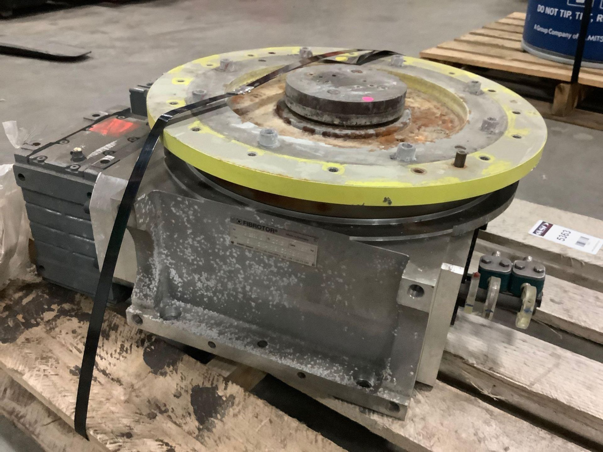 2013 LENZE FIBROTOR 150410-9-152-03-0-0-3 ROTARY TABLE MOTOR WITH MANUAL ATTACHED ( 5363 ) - Image 6 of 8