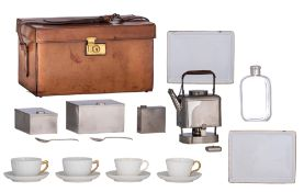 A stylish English 'tea for two' leather picnic hamper, ca. 1920, H 19 - W 33,5 - D 21,5 cm