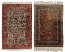 Two Oriental rugs, 122 x 179,5 / 123,5 x 177 cm