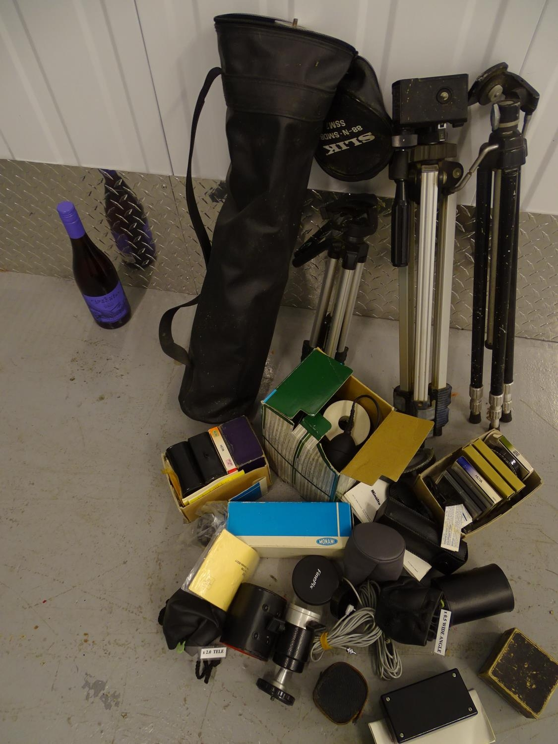 Photography : assorted camera fitments etc. to include: Deluxe slide duplicator boxed, assorted