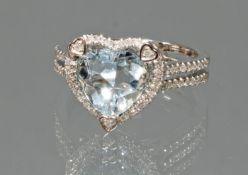 Ring, WG 750, Aquamarin ca. 2.23 ct., in Herzform, Brillanten zus. ca. 0.35 ct., etwa tw/si, 5 g, R