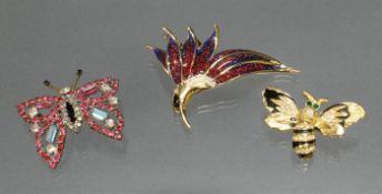 3 Modeschmuck-Tierbroschen: Schmetterling, Eisvogel, Biene