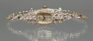 Schmuck-Damenarmbanduhr, 'Hamilton', 1960er Jahre, WG 585, Brillant-Lünette, Handaufzug, silberfar