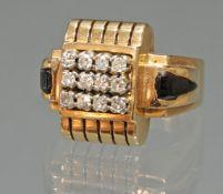 Ring, Art Deco, 1930er Jahre, RG 750, 12 Diamanten zus. ca. 0.60 ct., etwa w/si, 8/8-Schliff, Onyx,
